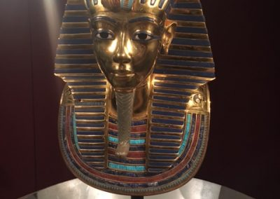 tutankhamun-exhibit-mask